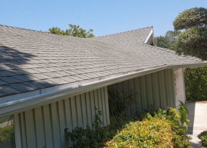 Composite shingle roof