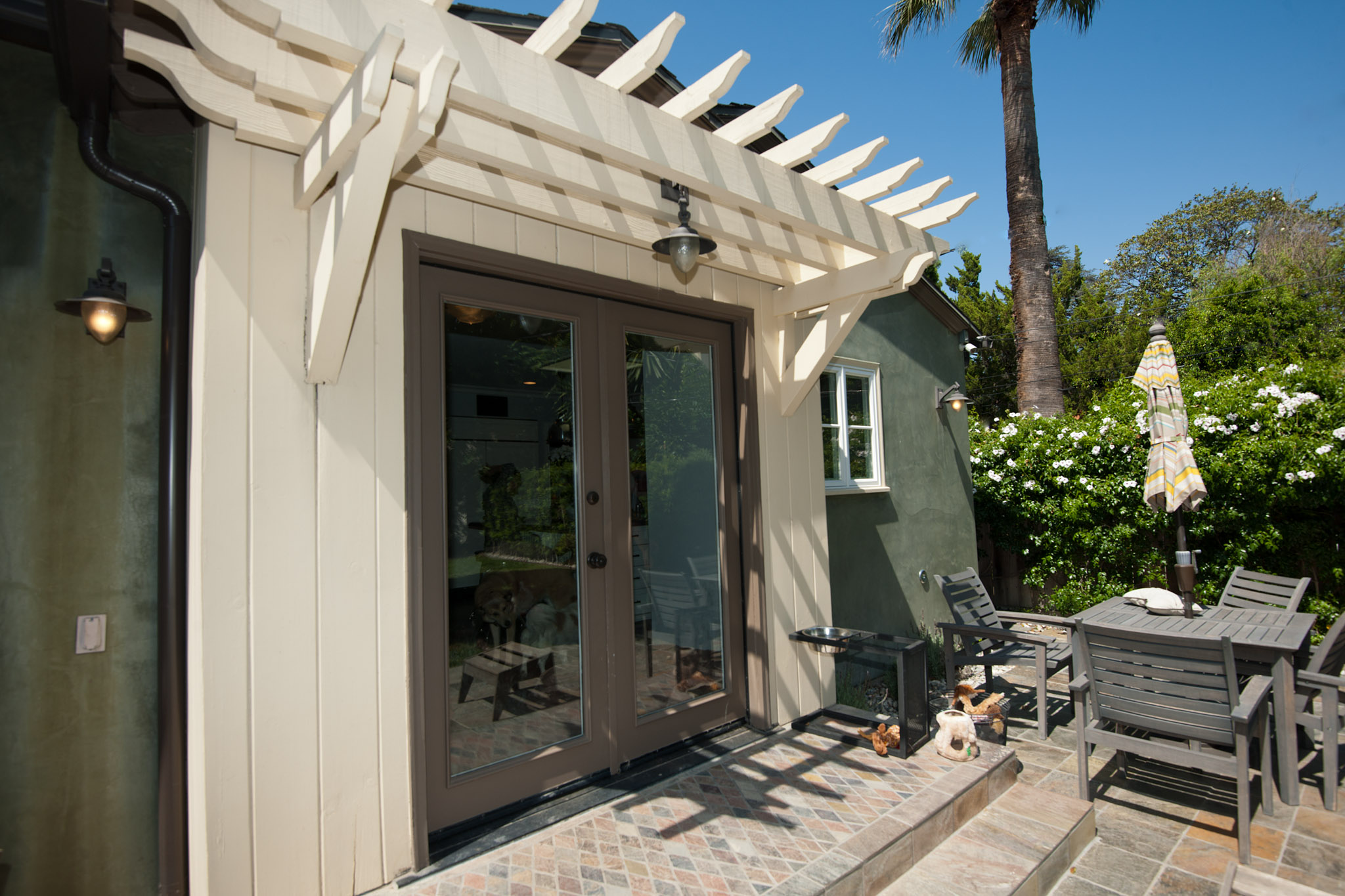 nexxus.patio-with-doors